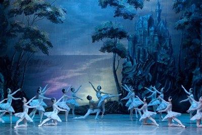 Московский государственный театр балета представит «Лебединое озеро» в Иркутске