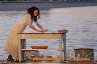 Русский инженерный театр «АХЕ» из Петербурга представит спектакль «Мокрая свадьба»